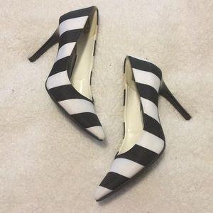 Black & white heels!!